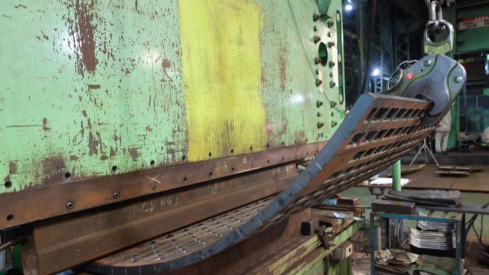 耐摩耗鋼板2