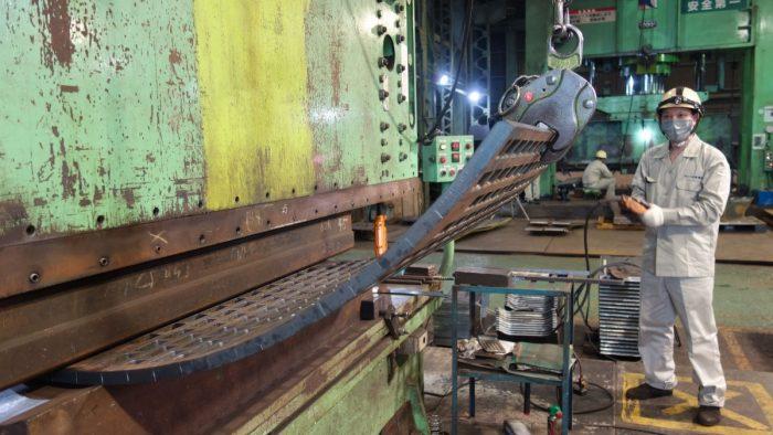 耐摩耗鋼板
